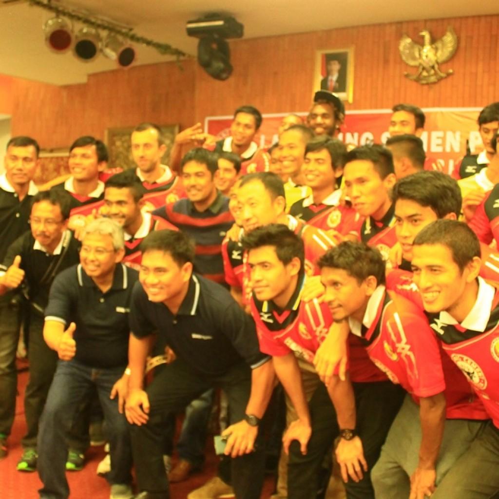 Skuad Semen Padang saat launching pemain beberapa waktu lalu. Foto : Istimewa