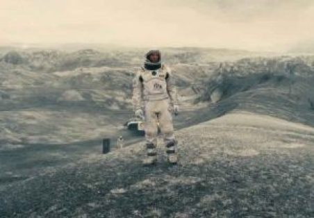 Aktor Matthew McConaughey dalam film Interstellar.