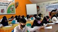 50 Calon Relawan Demokrasi KPUD Touna Jalani Test Wawancara
