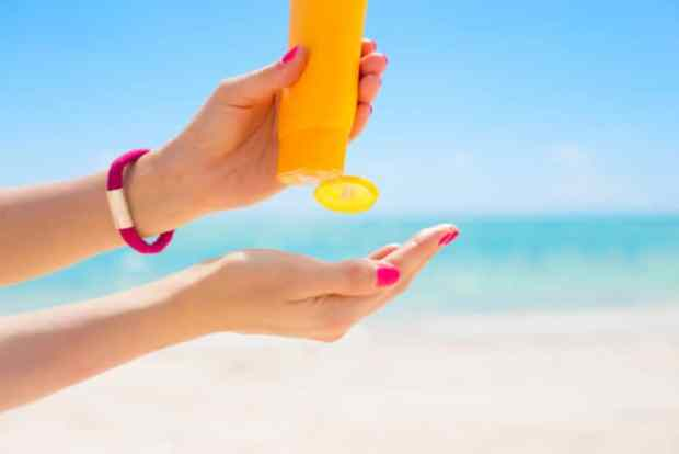 cara memakai sunscreen