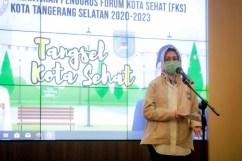 Walikota Tangsel Airin Rachmi Diany melantik pengurus Forum Kota Sehat Tangsel periode 2020-2023 (5)