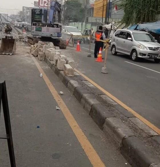 Jalan Dewi Sartika Ciputat Tangsel Macet, Ternyata Ada Pekerjaan Drainase dari Kemnterian PUPR