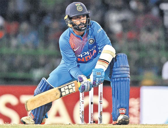 Dinesh Karthik playing for India