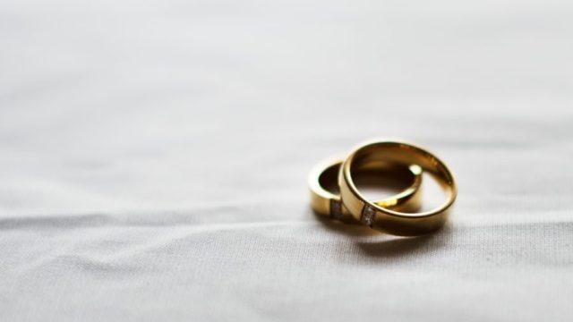 結婚指輪 金色