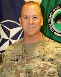 د افغانستان په سوېل کې د 'روزنې، سلاکارۍ او کومک قومندانۍ' مشر امریکایی جنرال، جیفري سمیلي
