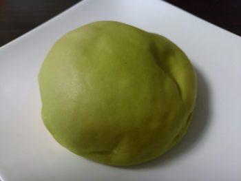 ファミリーマート 食感を楽しむもちっと北海道メロンパン