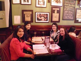 Dinner at the HIMYM bar - McGee's.