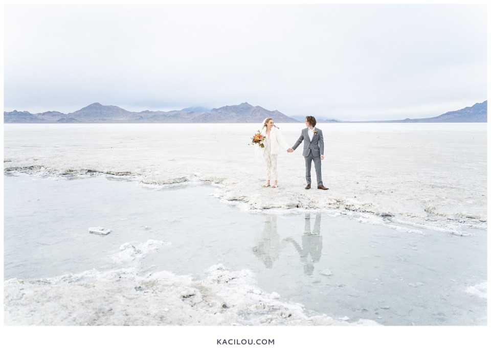 utah elopement photographer kaci lou photography bonneville salt flats sneak peek photos for kylie and max-44.jpg