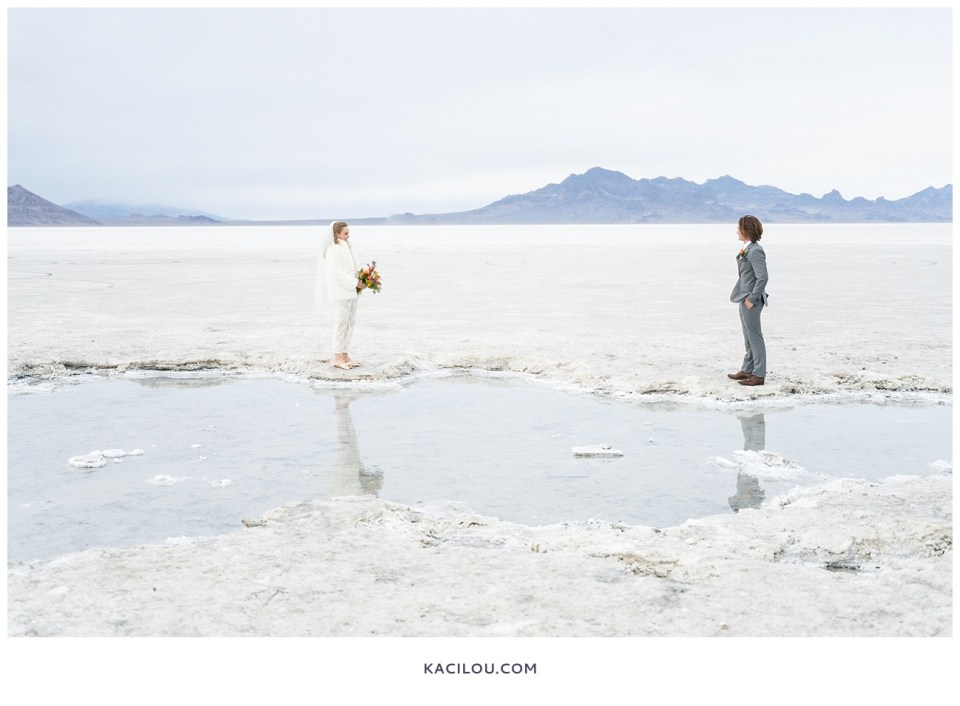 utah elopement photographer kaci lou photography bonneville salt flats sneak peek photos for kylie and max-47.jpg