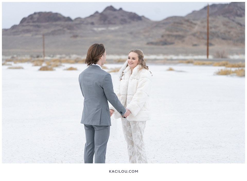 utah elopement photographer kaci lou photography bonneville salt flats sneak peek photos for kylie and max-57.jpg