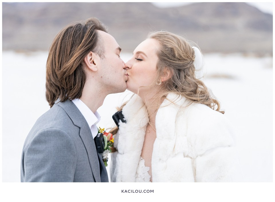 utah elopement photographer kaci lou photography bonneville salt flats sneak peek photos for kylie and max-60.jpg