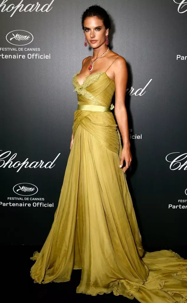 rs_634x1024-140519150708-634.alessandra-ambrosio-chopard-cannes.l51914