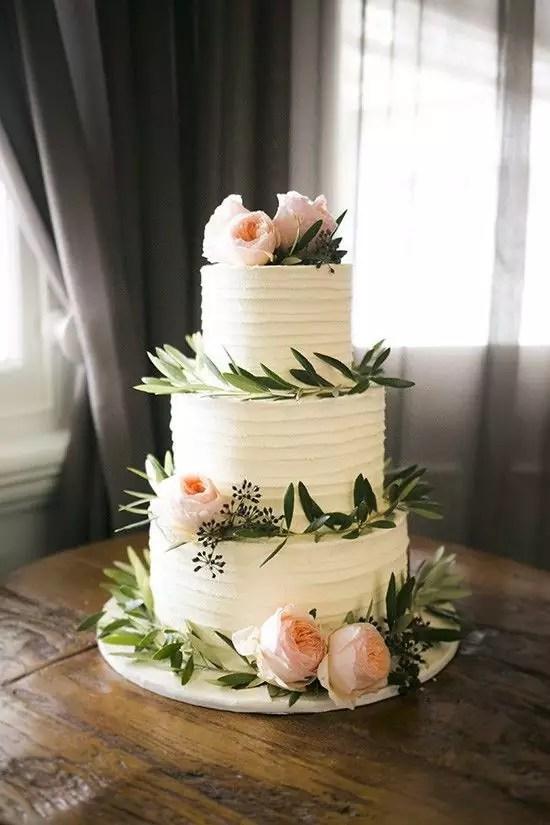 bb0dae11b59b35f840820e758d1fa525--summer-wedding-cakes-cake-wedding