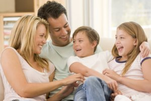 Gunumuzde-Aile-Yasami-Cocuk-Gelisimi-Toplum