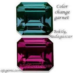 color-change-garnet-bekily-madagascar-ajsgem-com