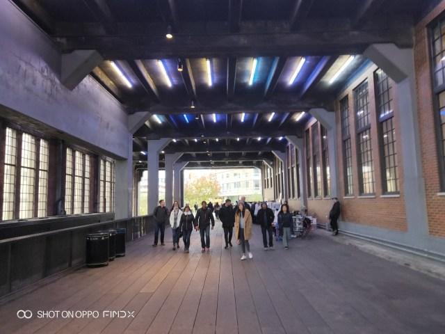 ส่วนนึงของ High Line สกายวอร์คความยาวกว่า 2.4 กิโลเมตร ในมหานครนิวยอร์ก