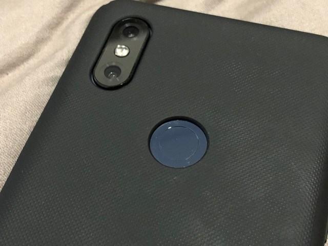 ถ้ากล้องหน้าที่เอาไว้สแกนใบหน้า ไม่สามารถเรียกใช้งานได้ง่าย สแกนลายนิ้วมือก็ยังสะดวกสุด