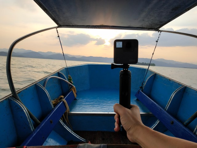 GoPro Fusion พร้อม GoPro Fusion Grip