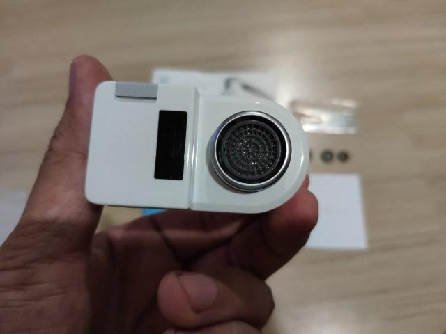 ตรงปลายหัวก๊อกของ Xiaomi Youpin Smart Faucet จะมีตะแกรงเติมอากาศอยู่แล้วในตัว
