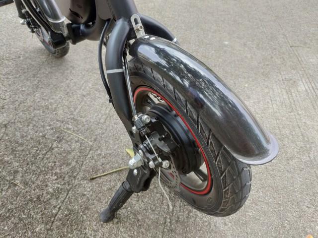 ภาพของล้อหลังของจักรยานไฟฟ้า DYU D2F