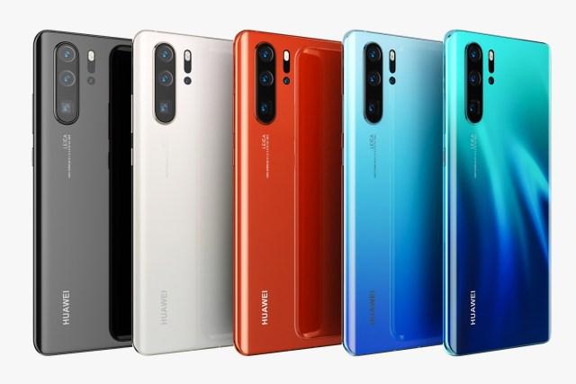็ด้านหลังของ Huawei P30 Pro ครบทุกสีที่มีวางจำหน่าย