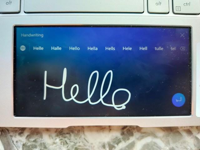 หน้าจอแอป Handwriting ของ ScreenPad 2.0 มีข้อความเขียนว่า Hello เป็นลายมือ