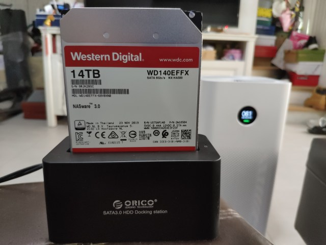 WD Red 14TB เสียบอยู่กับ SATA3.0 HDD Docking Station ของ Orico