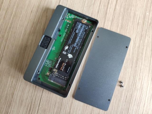 เปิดฝากล่อง JEYI SSD M.2 NVMe Thunderbolt 3 มาใส่ SSD M.2 NVMe