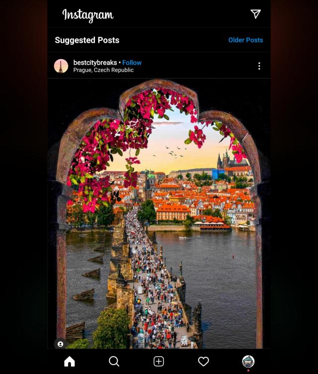หน้าจอขอ Samsung Galaxy Z Fold 2 แสดงผล Instagram แบบไม่เต็ม