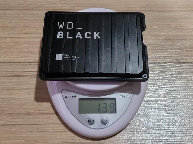 ชั่งน้ำหนัก External HDD WD_BLACK P10 ได้ 139 กรัม