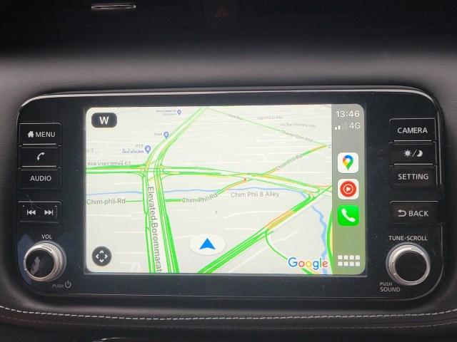 หน้าจอคอนโซล แสดง Google Maps อยู่