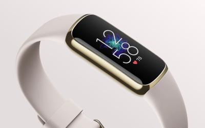 Fitbit Luxe สีครีม ตัวเรือนขอบสีทอง
