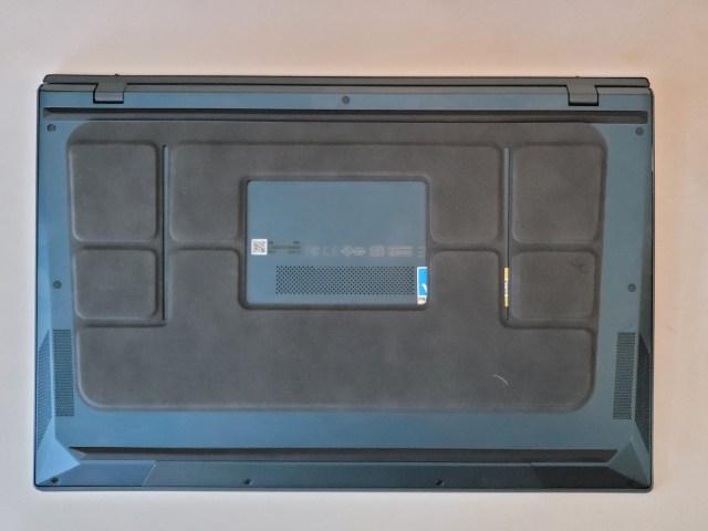 การติดตั้งขาตั้งที่แถมมาของโน้ตบุ๊ก ASUS ZenBook Duo 14 UX482EA