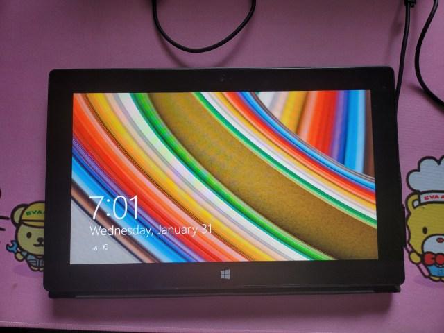 ด้านหน้าของ Microsoft Surface RT