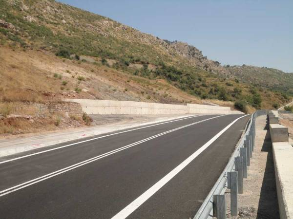 Ολοκληρώθηκαν οι εργασίες στην παλιά εθνική οδό Μεγαλόπολης Καλαμάτας στο Δερβένι