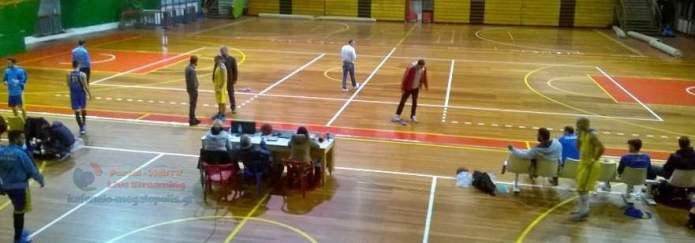 Διακόπηκε ο αγώνας Μπάσκετ Θουρίας-Πολυβίου λόγω προβλημάτων στο γήπεδο