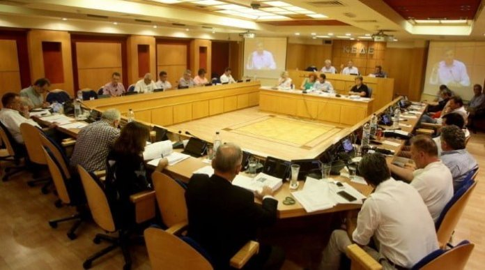 ΚΕΔΕ: Στη βουλή για να αποτρέψει την ψήφιση του Κλεισθένη
