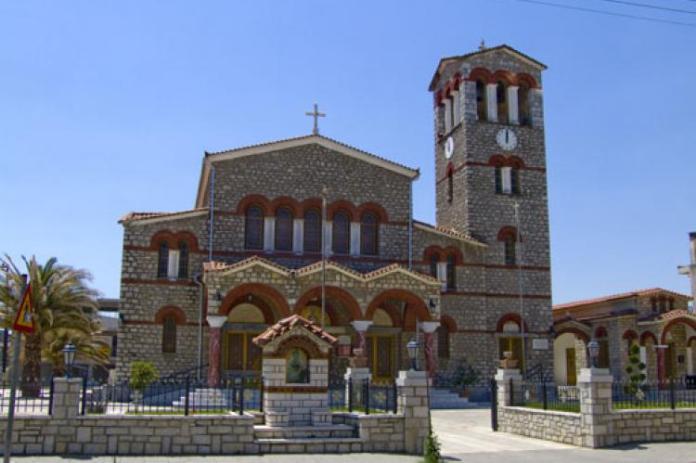 Λειτουργίες χωρίς πιστούς στις εκκλησίες το Πάσχα – Ζωντανές μεταδόσεις όλες τις ημέρες από το Καφενείο Μεγαλόπολης