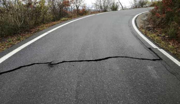 Καταστράφηκε και ο δρόμος προς το χωριό Φαλαισία – Μεγάλες οι ζημιές στο οδικό δίκτυο της Μεγαλόπολης