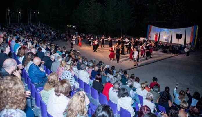 MAGNA ARCADIA: Μια μοναδική παράσταση από την Ένωση Αρκάδων Χαλανδρίου (photo)