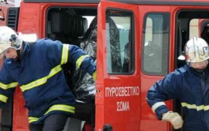 Απεγκλωβισμός 2 ατόμων από όχημα στις Καρυές Μεγαλόπολης