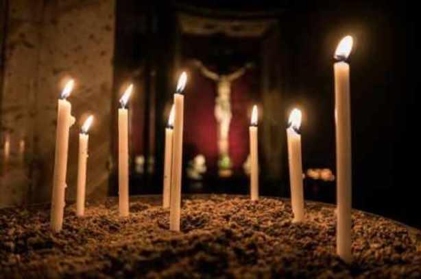 Ανάσταση στις 9 το βράδυ αποφάσισε η Διαρκής Ιερά Σύνοδος