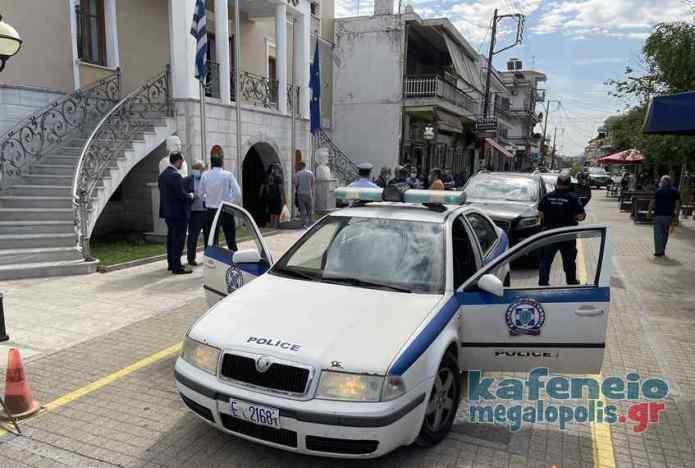 Εγκάρδια υποδοχή σε Παπαθανάση και Μουσουρούλη στην Μεγαλόπολη την ώρα που οδηγούν τις επενδύσεις στους όμορους δήμους (video-photo)