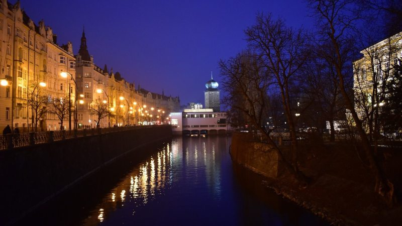 czech-prague-night-covid-curfew