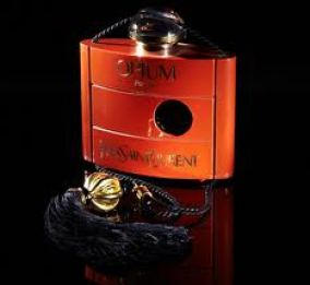Yves Saint Laurent, Opium, bottle designed by Pierre Dinand in 1977, photographed by Damien Fry (2011). Source: Phaidon.com.
