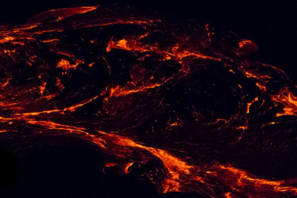 Photo by Daniel Fox. Source: petapixel.com . http://petapixel.com/2013/05/25/photographer-captures-abstract-photos-showing-lava-up-close/