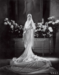 Charlotte Babcock Brown, gown by Jeanne Lanvin, photo by Edward Steichen 1928. Source: onewed.com