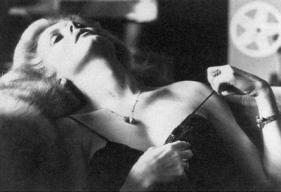 Helmut Newton, Catherine Deneuve. Source: toutsurdeneuve.free.fr