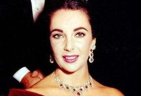 Elizabeth Taylor and her Cartier ruby necklace given to her by Mike Todd. Source: Pinterest