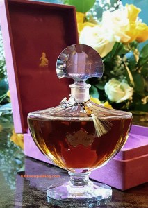 Vintage Shalimar parfum, probably 1960s, in 2 oz Baccarat crystal bottle with its Marly Horse velvet box. Photo: my own.